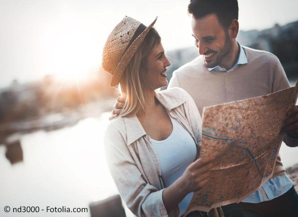 Reisen und Urlaub von der Fernreise bis zu den Flitterwochen buchen - #145729446   © nd3000 - Fotolia.com